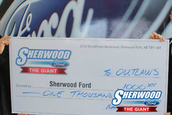 Sherwood Ford sponsors Beaumont Outlaws lacrosse team for the 2018 season