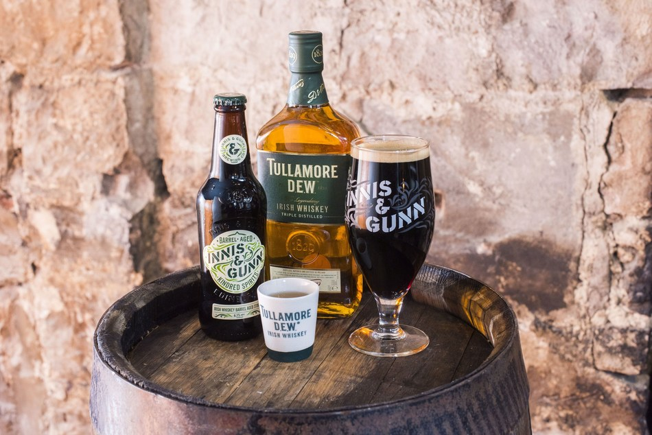 Innis & Gunn and Tullamore D.E.W. Combine Scots and Irish Craftsmanship to Launch New Limited Edition Irish Whiskey Barrel Aged Stout (PRNewsfoto/Tullamore D.E.W.)