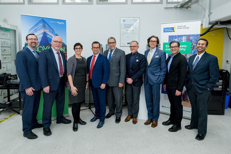 Executives from Schneider Electric and Ryerson University. (CNW Group/Schneider Electric)