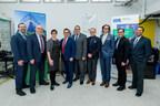 Représentants de Schneider Electric Canada et l'Université Ryerson. (Groupe CNW/Schneider Electric)