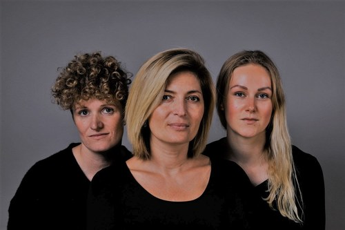 (left) Lærke Demant Lade-Foged, Founder & CEO Silvia Meyer, and Michelle Barloese (right) Rest of the team is CPO & Head of Tech Jonas Rugh Hansen & Dr.Tandrup (PRNewsfoto/Rebound Pro A/S)