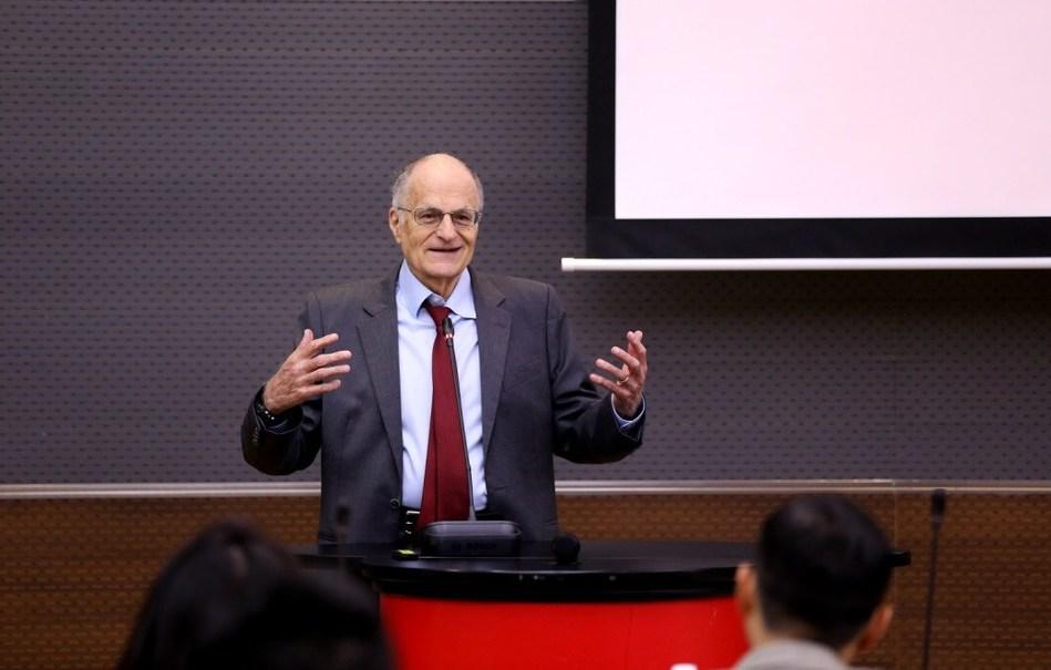 Professor Sargent gives remarks on python and economics