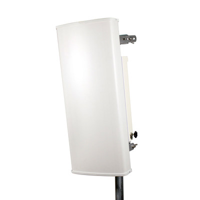 8x8 MIMO Sector Antenna Operating in the 5 GHz Band