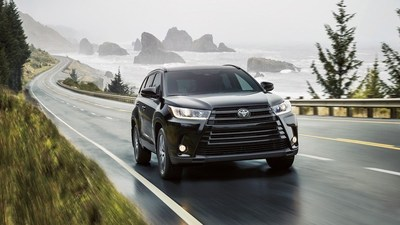 image of the 2018 Toyota Highlander, which is one of the vehicles on which Roberts Toyota is offering special deals.