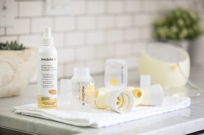Medela Quick Clean™ Breast Pump & Accessory Sanitizer