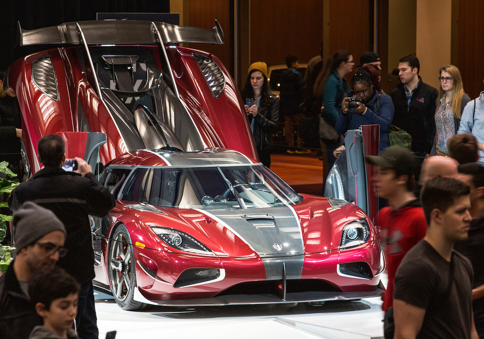 Crowds flocked to see the Koenigsegg Agera RS, the world's fastest production car, at the AutoShow (CNW Group/Canadian International AutoShow)