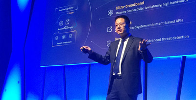 Kevin Hu, President of Huawei Network Product Line, launches Huawei's Intent-Driven Network solution