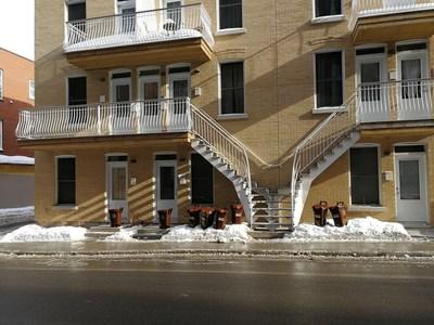 Le bac brun disponible dans tout l'arrondissement dès le 1er mars (Groupe CNW/Ville de Montréal - Arrondissement du Plateau-Mont-Royal)