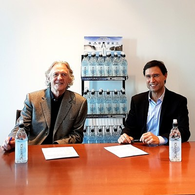 Icelandic Glacial Chairman and Co Founder Jon Olafsson left with Carlos Cruz Country Director of Coca Cola European Partners in Iceland