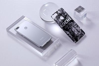 Honor 9 Lite (Glacier Gray) with the KOCHÉ-designed phone case