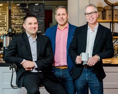 Pour la deuxième année consécutive, la Financière Sun Life et les fondateurs de The Give Agency Chaz Thorne, Mike Maloney et Brian Hickling mettent sur pied l'une des plus grandes agences de Toronto pour aider les organismes de bienfaisance pendant une semaine. (Groupe CNW/Financière Sun Life Canada)