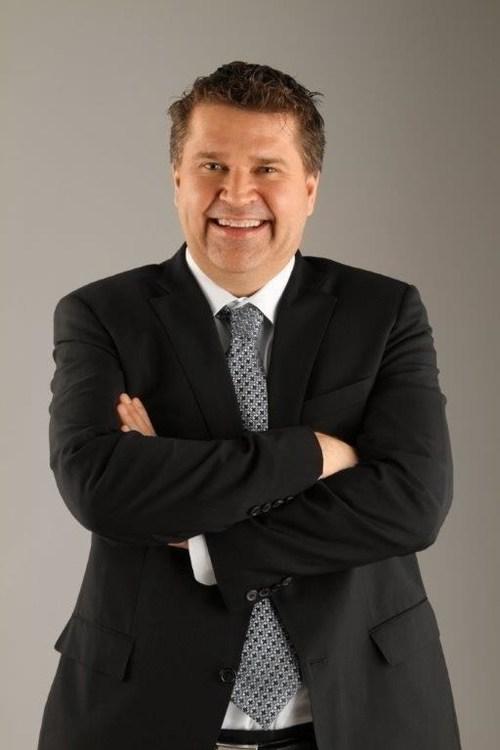 Bob Cummings est maintenant le vice-président directeur, Stratégie et services aux invités. (Groupe CNW/WESTJET, an Alberta Partnership)
