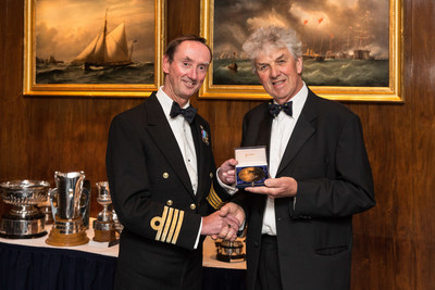 Captain Wells receives Medal for Seamanship on behalf of th crew of Queen Mary 2