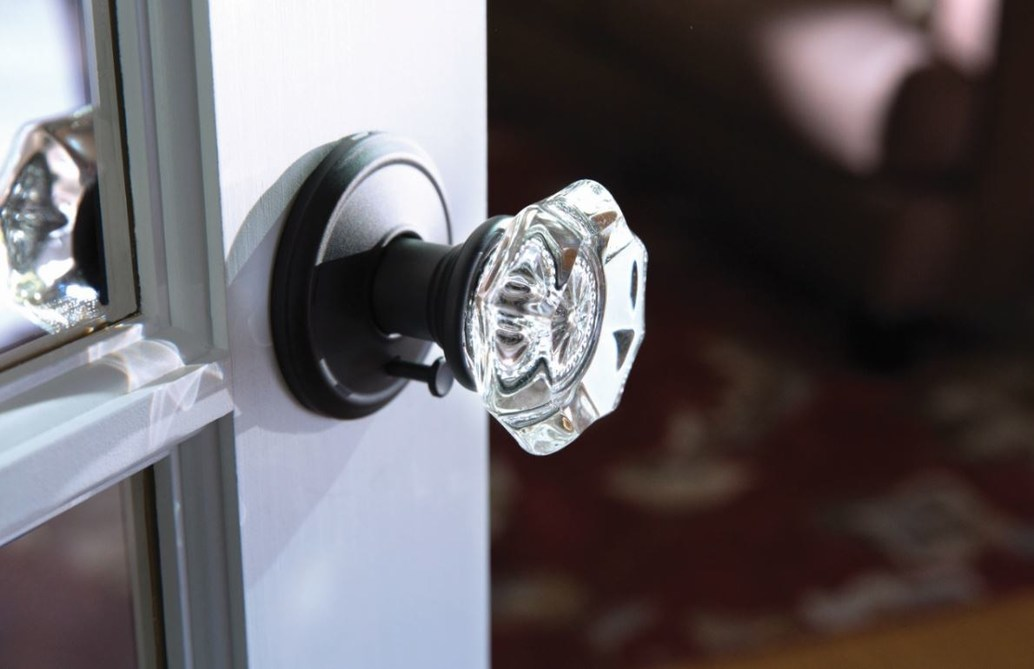 Schlage Custom™ Door Hardware Now Available to Homeowners