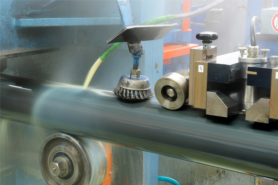 """Quaker provides a comprehensive """"Front-to-Back"""" product range that offers metalworking fluids for the front end of the tube and pipe manufacturing process as well as corrosion preventives and protective coatings to finish at the back end."""