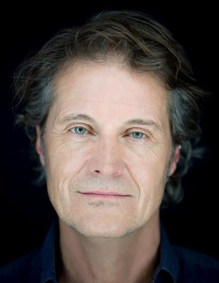 Jim Cuddy –  Winner of the 2018 MusiCounts Inspired Minds Ambassador Award, presented by The Canadian Scholarship Trust Foundation (CNW Group/Canadian Scholarship Trust Foundation)