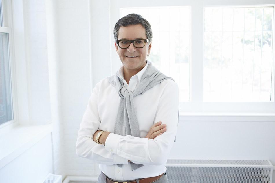 La Baie d'Hudson annonce que Brian Gluckstein est son nouvel ambassadeur de la mode maison (Groupe CNW/la Baie d'Hudson)