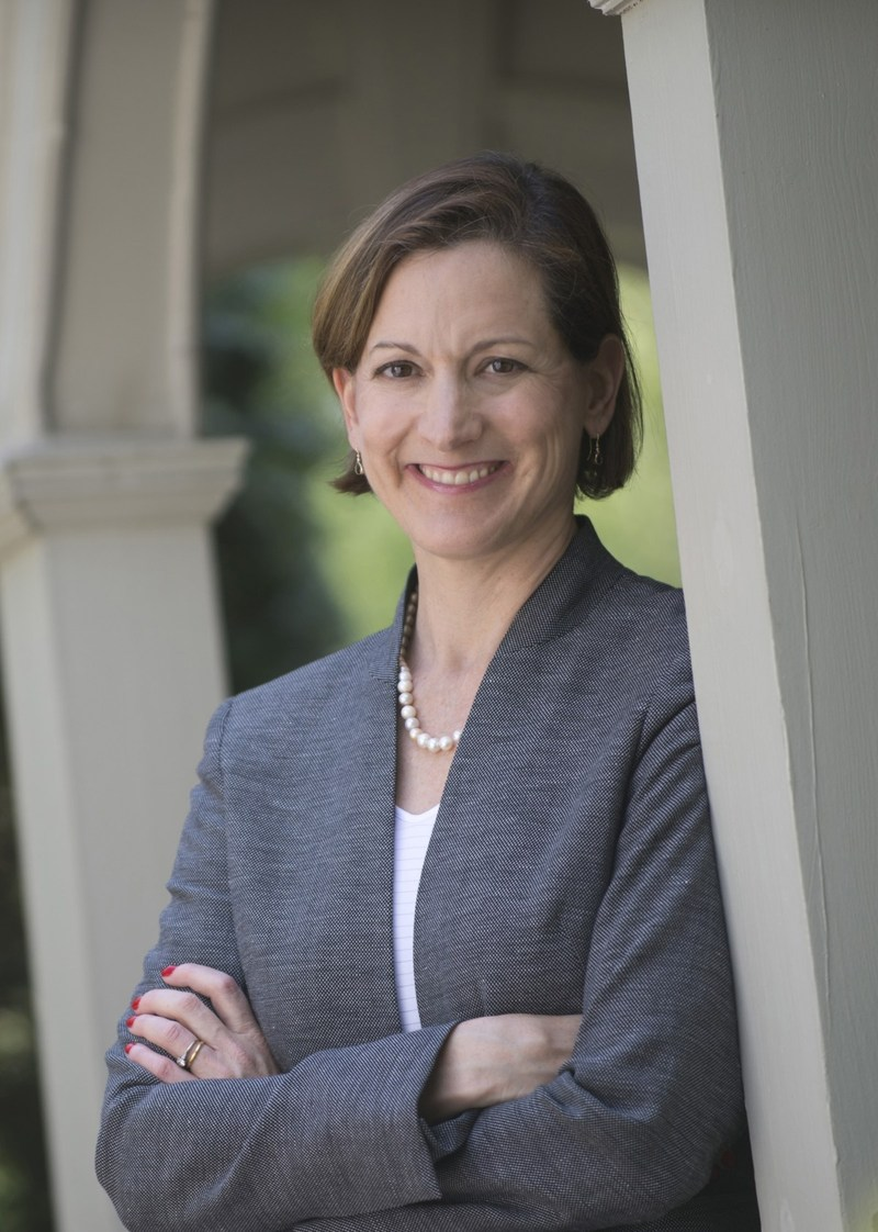 Anne Applebaum has won the 2018 Lionel Gelber Prize for her book Red Famine: Stalin's War on Ukraine (Photo credit: James Kegley) (CNW Group/The Lionel Gelber Prize)