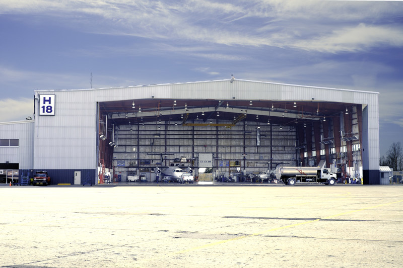 Nolinor Aviation fait l'acquisition du Hangar H-18 à l'aéroport de Saint-Hubert, une transaction d'une valeur de 5,5 M$ (Groupe CNW/Nolinor Aviation)
