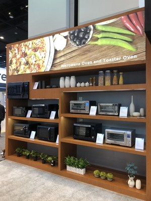 Midea's microwave oven and toaster oven at IHHS 2018