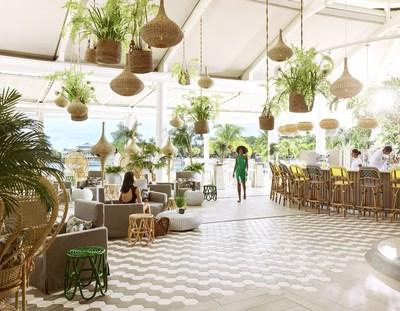Palm Court Bar (PRNewsfoto/LUX* Grand Gaube)