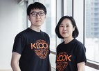 Klook's Chief Product Officer, David Liu, on the left and Chief Revenue Officer, Anita Ngai, on the right (PRNewsfoto/Klook)