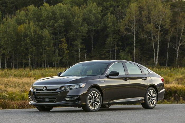 All-New 2018 Accord Hybrid Arrives in Showrooms as the New Benchmark among Midsize Hybrids