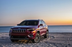 The all-new 2019 Jeep Cherokee features a redesigned grille and LED headlamps.