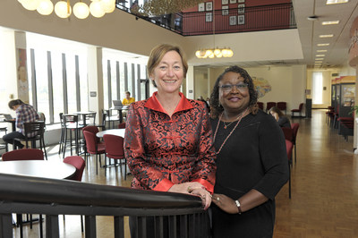 From left, Greer Glazer, PhD, RN and Karen Bankston, PhD, RN, are the 2018 Nurse.com by OnCourse Learning award winners.