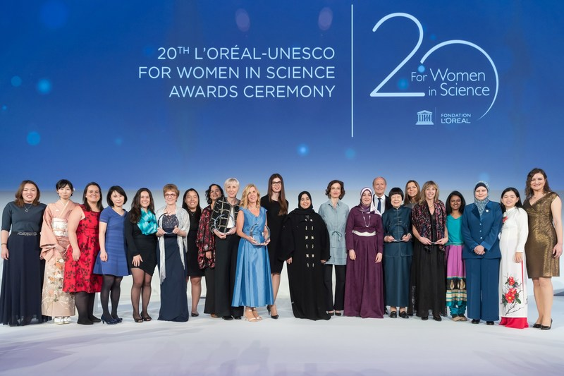 L'Oreal-UNESCO For Women in Science : group photo of the Laureates and International Rising Talents