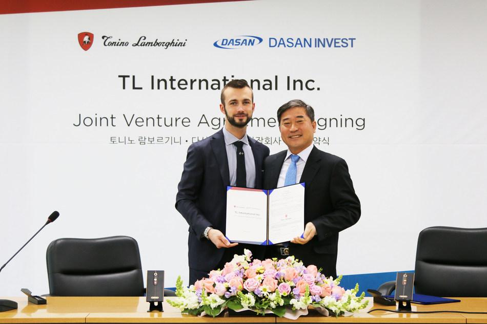 Tonino Lamborghini SpA company vice-president, Ferruccio Lamborghini, DASAN president, Nam Min Woo