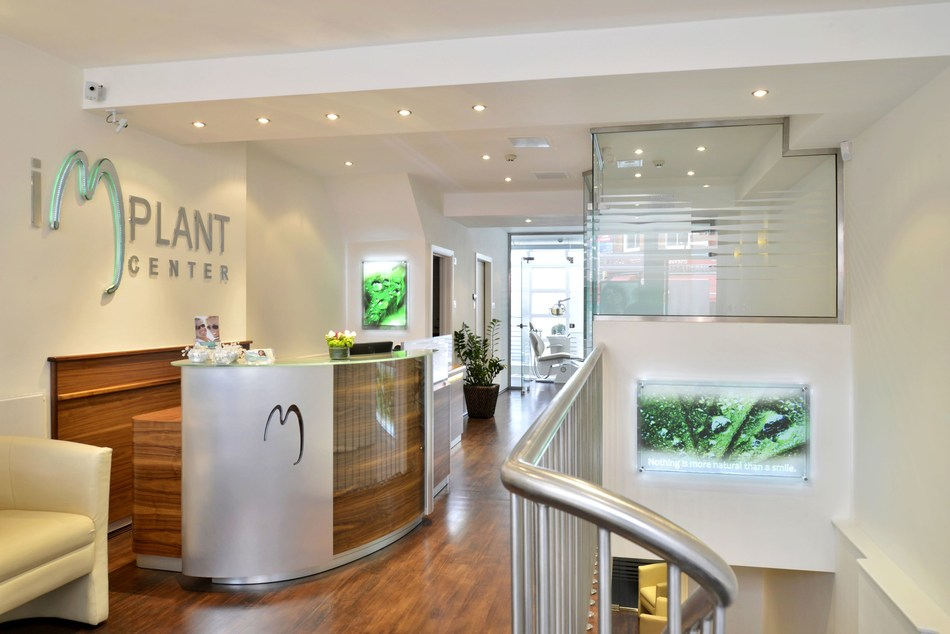 Reception Area at Implantcenter Dentistry and Oral Surgery, London (PRNewsfoto/Implantcenter Dentistry)