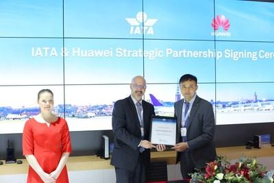 Huawei anuncia parceria estratégica com a IATA (PRNewsfoto/Huawei)