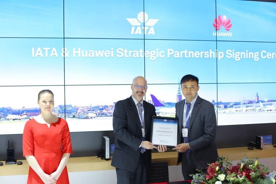 Huawei anuncia alianza estratégica con IATA (PRNewsfoto/Huawei)
