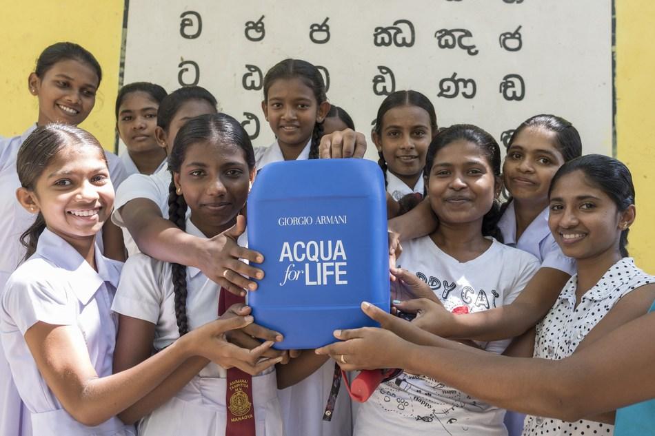 Children in Sri Lanka for Acqua For Life (PRNewsfoto/Giorgio Armani Beauty)