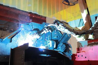 A XCMG cria a primeira linha de produção inteligente para plataformas giratórias de guindastes de todo o mundo, entrando para a era da fabricação inteligente (PRNewsfoto/XCMG)