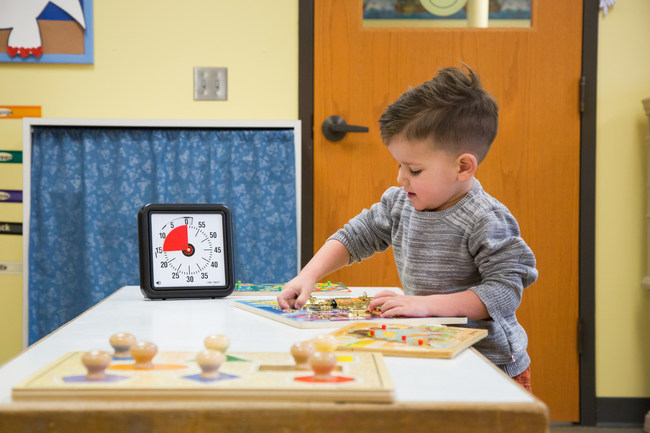 Preschoolers use the 60-minute Time Timer, the timer used in the FAU study