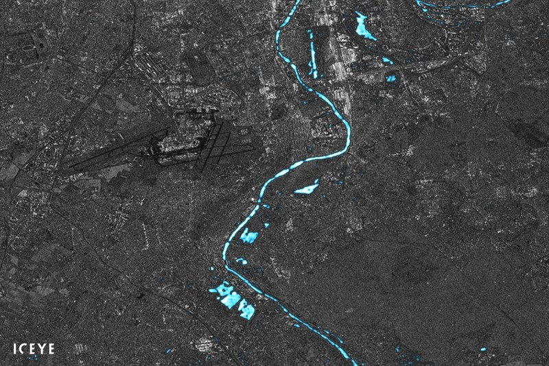 In this preliminary flood analysis exercise image, ICEYE has combined and processed ESA's Sentinel-1 satellite data with ICEYE-X1 satellite data to visualize potential change detection capabilities. The image features Seine river and Orly, Paris airport at the start of the year 2018. (PRNewsfoto/ICEYE)