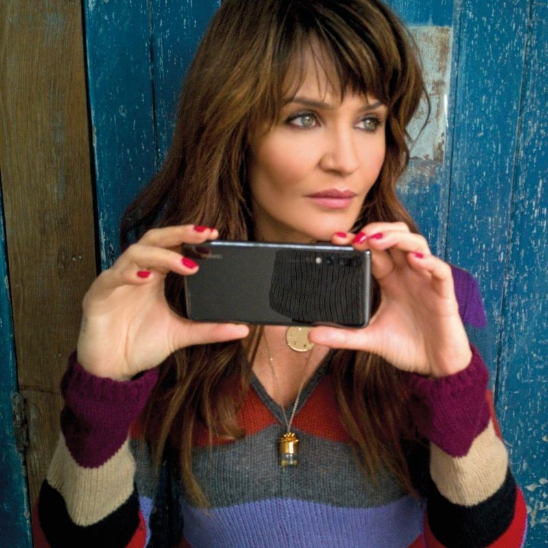 Helena Christensen shot by Alex Lambrechts on the Huawei P20 Pro (PRNewsfoto/Huawei)
