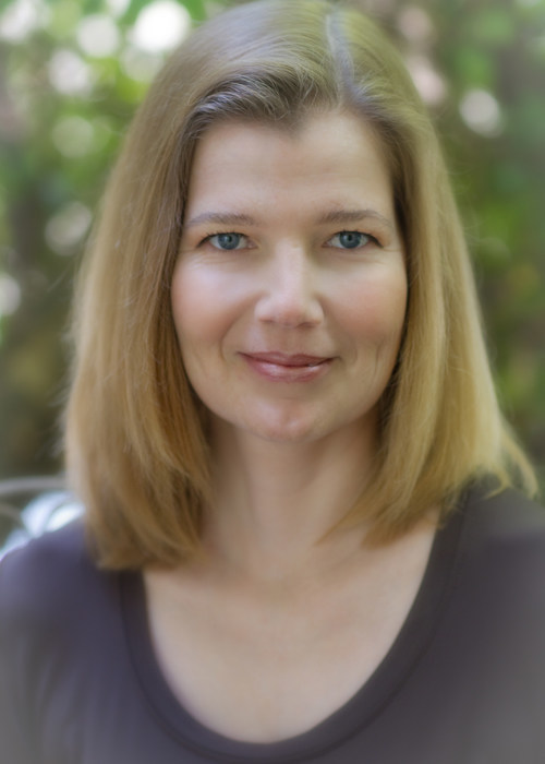 Author Karin Kiser