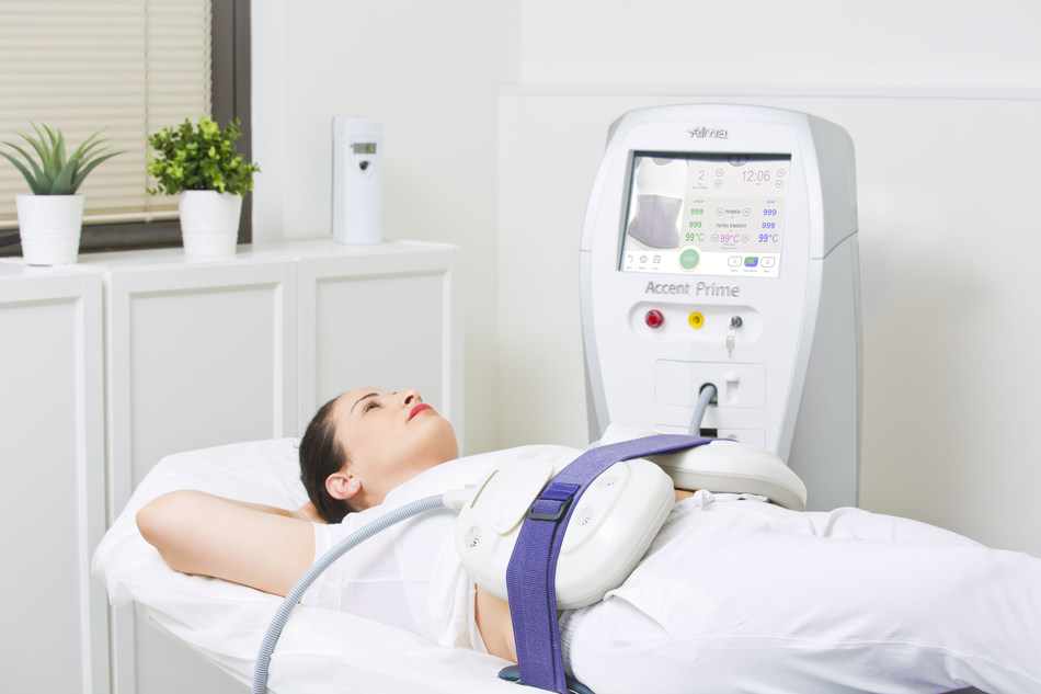 Accentuate the positive - Accentuate hands-free body contouring & skin tightening solution by Alma (PRNewsfoto/Alma Lasers)