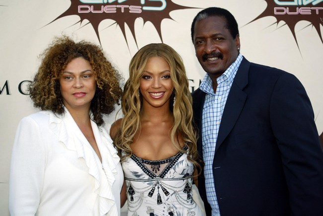 Mathew Knowles, pictured with daughter Beyonce and ex-wife Tina Knowles at the VH1 Divas Duets in Las Vegas in 2005. Photo by s_bukley (Depositphotos)