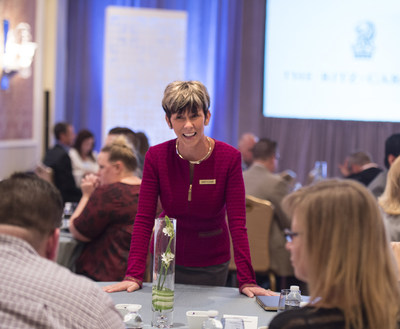 Ritz-Carlton Leadership Center Advisor Jennifer Blackmon engages with attendees at the 2017 Customer Experience Symposium.
