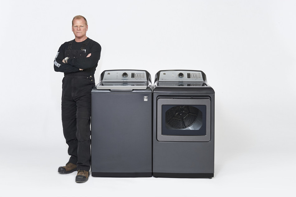 Mike Holmes, Canada's most trusted contractor and TV host, has signed a multi-faceted partnership with GE Appliances. Holmes will serve as a brand ambassador alongside his children, Mike Holmes Jr. and Sherry Holmes. Holmes was chosen, said GE Appliances' President Mike McCrea, based on his unmatched reputation for quality, reliability and ingenuity. (CNW Group/GE Appliances)