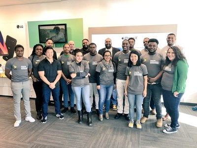 In every cohort, Opportunity Youth spend a day in a local Sprint store to learn from Sprint Chicago team what it takes to run a successful business.