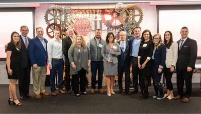 JLL Americas CEO Greg O'Brien (second from left) with the Da Vinci award-winning JLL InSite team.