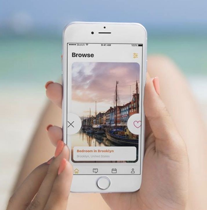Swipe and match to connect with like-minded travelers around the world (PRNewsfoto/Holiday Swap)