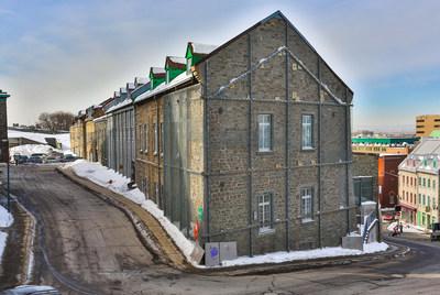 Situées au 1, rue de l'Arsenal à Québec, les Nouvelles-Casernes sont le plus grand bâtiment érigé par les autorités en Nouvelle-France. Crédit : CCNQ; photographe : Alexandre Zacharie (Groupe CNW/Commission de la capitale nationale du Québec (CCNQ))
