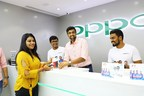 Ashwin being the store manager at OPPO F7 First Sale (PRNewsfoto/OPPO)