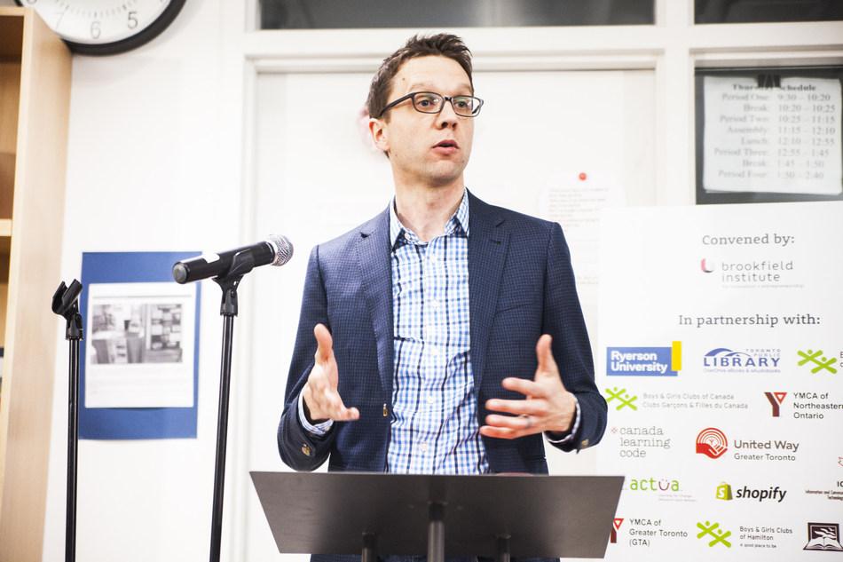 BII+E Executive Director, Sean Mullin presenting at the Digital Literacy + Coding Pilot announcement. (Photo Credit: Brandon Chu) (CNW Group/Brookfield Institute for Innovation + Entrepreneurship)